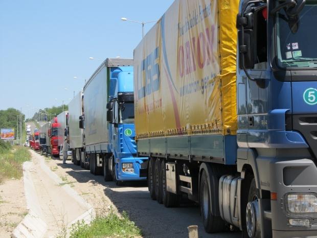 Вступление Кыргызстана в Таможенный союз может лишить работы тысячи перевозчиков - Ассоциация грузоперевозчиков