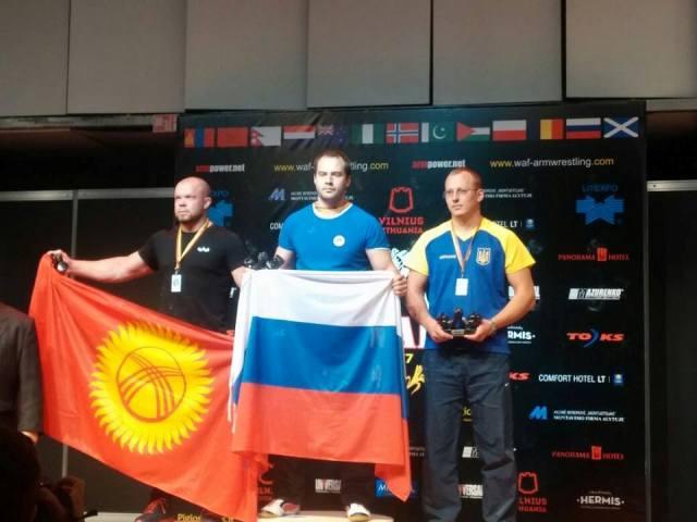 Чингиз Мамакеев стал чемпионом мира по армрестлингу среди юниоров