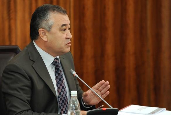 Изменение выборного законодательства усилит политические партии - Омурбек Текебаев