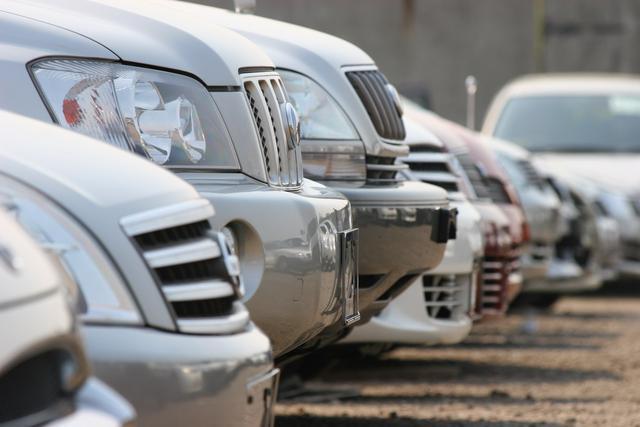 В прошлом году в Кыргызстан завезли 105 тыс. автомашин