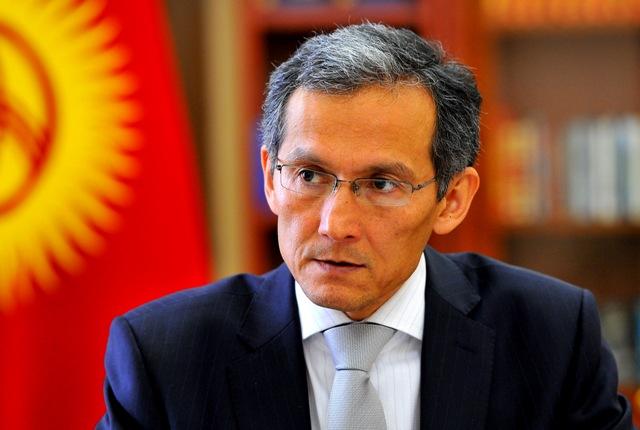 Оторбаев призвал исключить понятие «кыргызчылык» при отключении трехфазников
