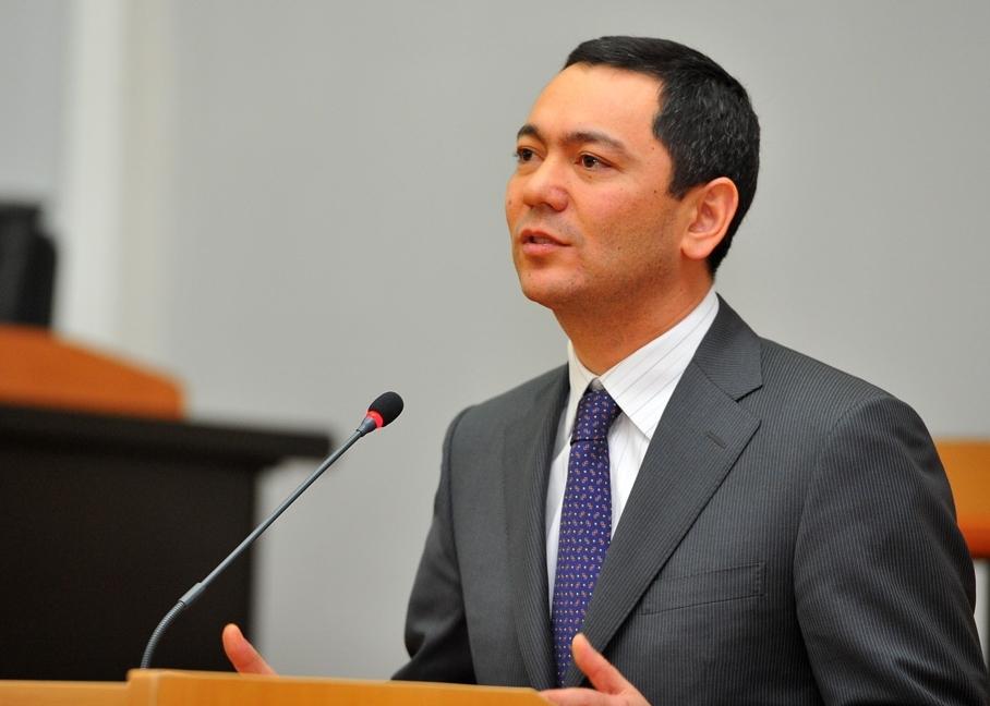 В Кыргызстане заметна работа только президента - Омурбек Бабанов