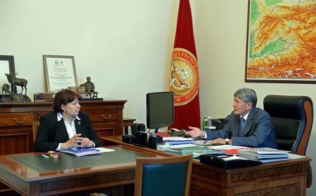 Президент поручил Минфину своевременно финансировать соцсектор страны