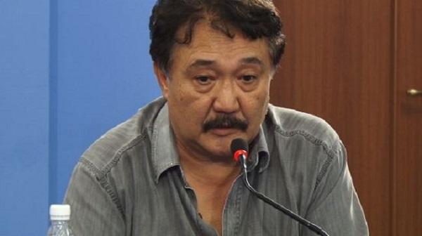 Объединение «Республики» и «Ата-Журта» - это толчок для других партий, считает политолог
