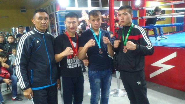 Олег Ким признан лучшим тренером по тайскому боксу
