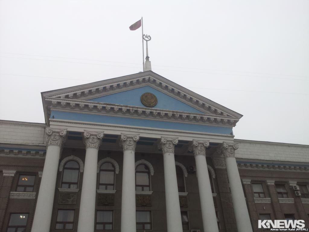 Во фракции «Республика» в горкенеше Бишкека появился новый депутат