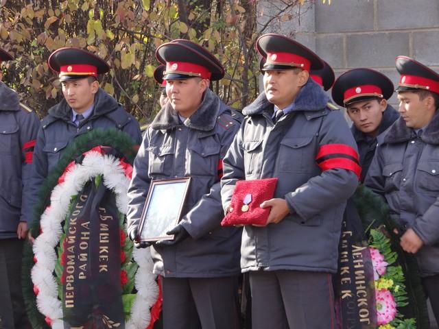 Состоялись похороны погибшего при исполнении оперуполномоченного ГУВД