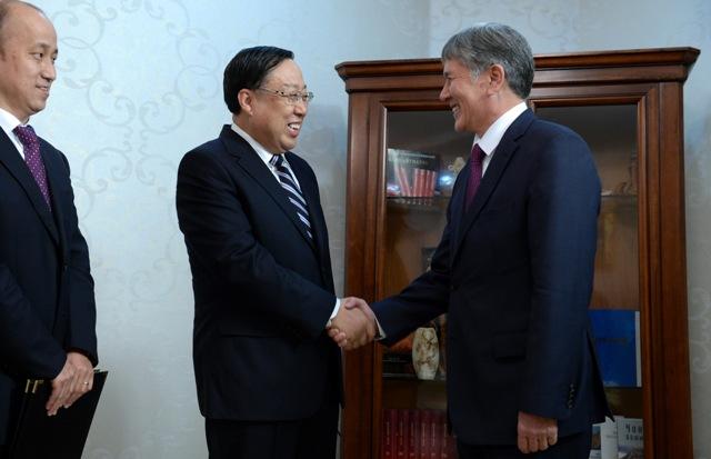 Атамбаев принял министра государственной безопасности Китая