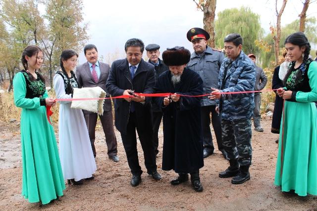 Сарпашев поручил завершить строительство ирригационных каналов «Боз-Тектир» и «Тегерек» в срок