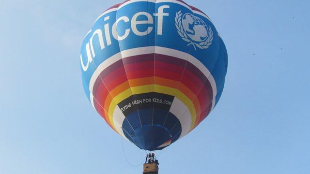 В бишкекском жилмассиве запустили воздушный шар