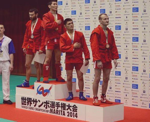 Сотрудник МВД Кыргызстана завоевал золото на Чемпионате мира по самбо