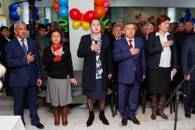 Бишкекской детской клинической больнице скорой медицинской помощи исполнилось 50 лет