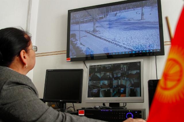 В школе-гимназии № 69 установлены новые камеры видеонаблюдения