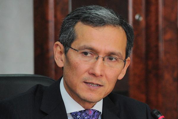 Оторбаев поручил госорганам подготовить запасы зерна и ГСМ и контролировать цены на рынке Кыргызстана