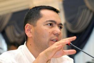 Омурбек Бабанов проголосовал без паспорта