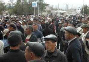 В Джалал-Абаде сторонники Камчыбека Ташиева начали расходиться