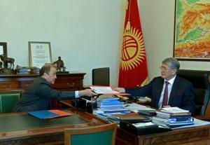 Атамбаев: Люди должны видеть в милиционерах защитников их прав и гарантию справедливости