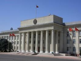 В правительстве Кыргызстана рассмотрели вопросы состояния аварийности на дорогах страны