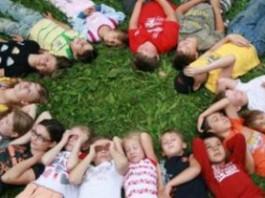 Минтруда начинает аккредитацию детских НПО