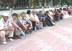 Митинг в поддержку Турсунбека Акуна может стать бессрочным