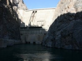 Строительство Верхненарынского каскада ГЭС проверит депутатская комиссия в конце недели