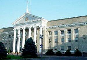 В Бишкеке произвели демонтаж четырех незаконно построенных фундаментов