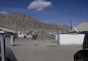 Художница Бермет Борубаева представила фильм о городе Мургабе (Таджикистан)