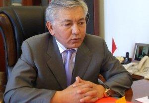 Иса Омуркулов: ГУБДД должно штрафовать всех владельцев авто с номерами KG, кроме мэра