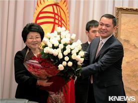 Последнее выступление Розы Отунбаевой перед парламентом в качестве президента