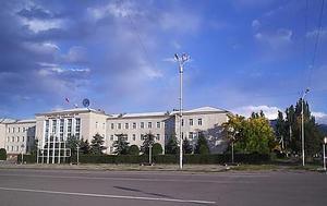 Ректор ИГУ: «Хотите уволить меня – увольняйте Атамбаева»