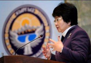 Президент Роза Отунбаева предложила новые кандидатуры в ЦИК