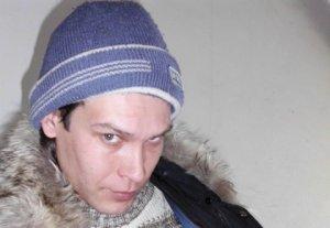 Каракольский сотрудник Финполиции напал на журналиста «Чалкан.kg»