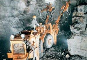 В правительстве признали, что в Кыргызстане «парализована» горнодобывающая отрасль