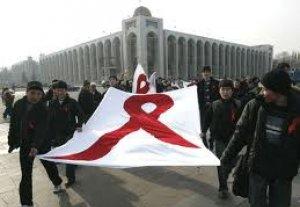 Ежегодно около 600 кыргызстанцев заболевают ВИЧ