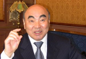 Расследование K-News: С 2005 года Аскар Акаев ежемесячно получал стипендию от НАН КР