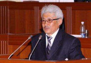 Турсунбек Акун Бакыту Жетигенову: Вы не имеете права ущемлять права граждан