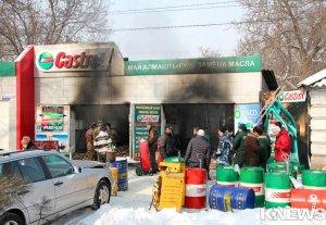 В Бишкеке сгорел пункт замены автомобильного масла