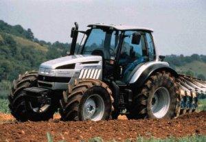 Сельским товаропроизводителям передадут в лизинг 265 тракторов