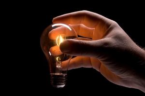 Расул Умбеталиев обвинил ОАО «Электрические станции», что они отключают свет, когда он идет в кафе или баню