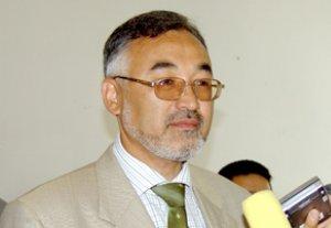 Турсунбай Бакир уулу: «Правительство Кыргызстана играет с двумя сверхдержавами»