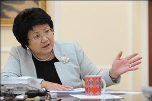 Президент Роза Отунбаева опровергает слова спикера Ахматбека Келдибекова