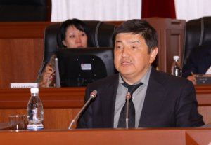 Акылбек Жапаров выдвинул свою кандидатуру на пост президента