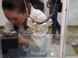 В Бишкеке открылась международная выставка ювелирного искусства «Встречи в волшебном саду»