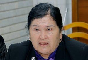 Депутат Гуласал Садырбаева: Меня возмутило, что «Ата-Журт» защищает своих депутатов
