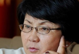 Адиль Турдукулов: «Роза Отунбаева грубо вмешивается в предвыборный процесс»