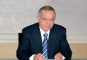 Президент Роза Отунбаева поздравила узбекистанского коллегу Ислама Каримова с Днем независимости