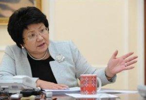 Роза Отунбаева выразила благодарность всем, кто оказал помощь школе-интернату для слепых и слабовидящих детей Оша
