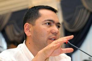 Омурбек Бабанов признался в покупке казахского паспорта