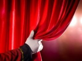 Директор Кыргызского драмтеатра: «В театр идут работать не ради денег»