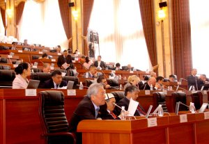 Депутаты отложили рассмотрение закона, от которого зависит дата президентских выборов